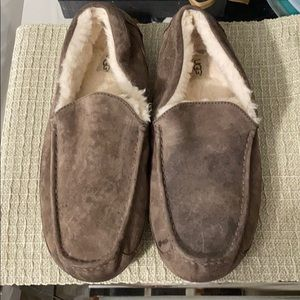 Ugg ascot moccasins / slippers
